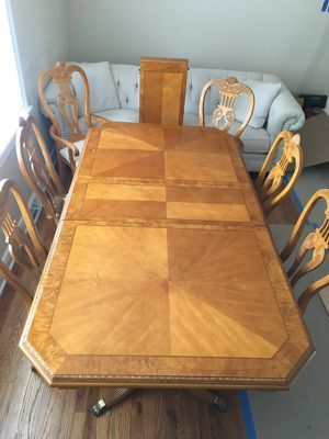 Dining room set- 8 piece for Sale in Pittsburgh, PA