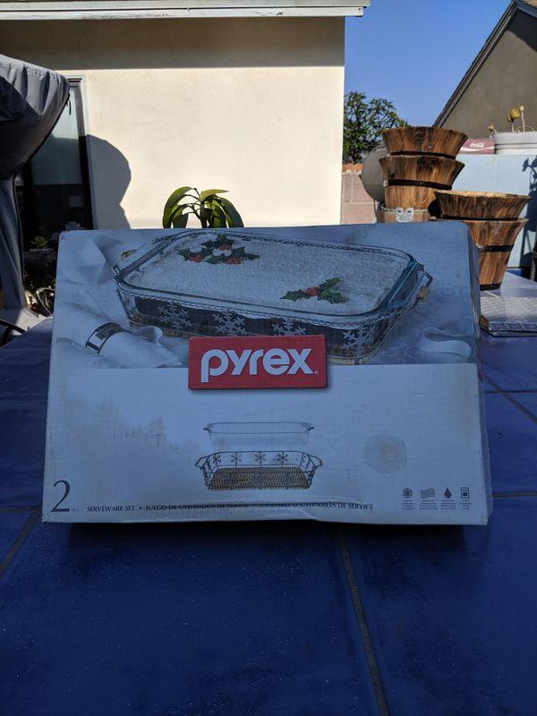 Pyrex 2 pcs serveware set