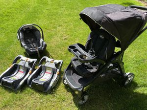 Stroller Chicco BRAVOfor2 + Chicco carseat + 2 bases + snuggle cover for Sale in Federal Way, WA