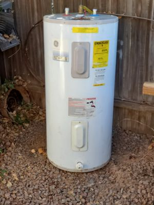 GE ELECTRIC Water Heater 50 gallon for Sale in Chandler, AZ