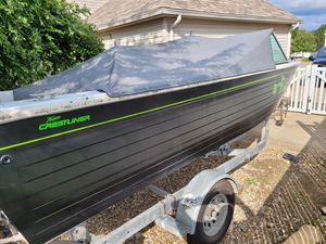 1992 crestliner phantom 18 aluminum boat for Sale in Brunswick, OH