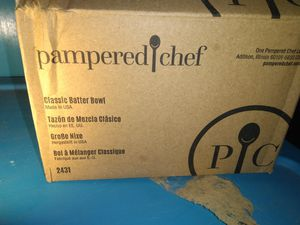 Pampered chef.muxing bowel an measuring cup. for Sale in Hawkins, TX