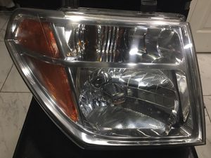 2005-07 Nissan Pathfinder front headlights for Sale in Las Vegas, NV