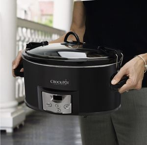 Crock-Pot 7- qt Slow Cooker- Programmable Cook & Carry- ( FIRM PRICE) for Sale in Los Angeles, CA