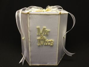 Gift Card Box, Wedding, Mr. & Mrs. for Sale in Hialeah, FL