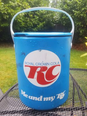 Vintage RC cola cooler! for Sale in Everett, WA
