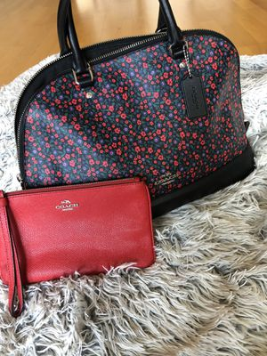 Red and black Floral Coach prairie tote bag for Sale in Denver, CO