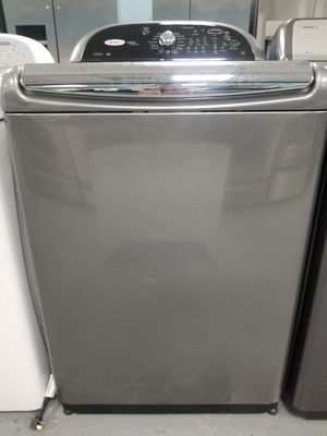 WHIRLPOOL Cabrio Platinum Top Load washer for Sale in Baltimore, MD