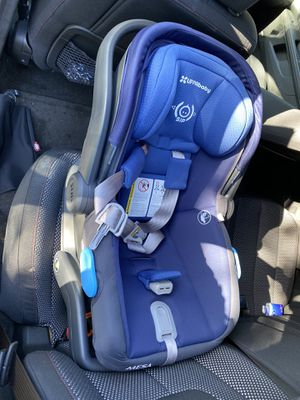 UPPAbaby MESA infant car seat Blue, great condition for Sale in Vero Beach, FL