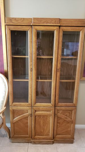 DINING ROOM HUTCH. for Sale in Rancho Mirage, CA