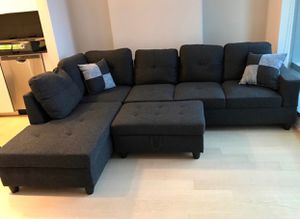 Black Gray Sectional Couch With free ottoman for Sale in Fremont, CA