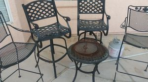 Patio Furniture Firepit and 4 chairs for Sale in Las Vegas, NV