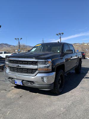2018 Chevy Silverado 1500 for Sale in Colorado Springs, CO