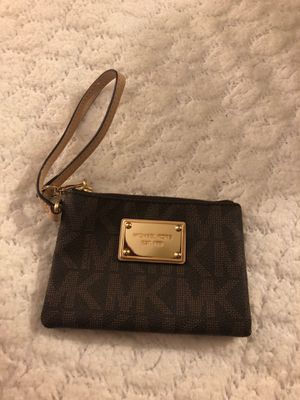 Michael Kors Wristlet for Sale in Bloomington, IL