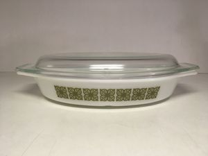 Vintage Pyrex Green Verde Oval Divided Casserole Baking Dish 1 1/2 Quart w/ Lid for Sale in Covina, CA