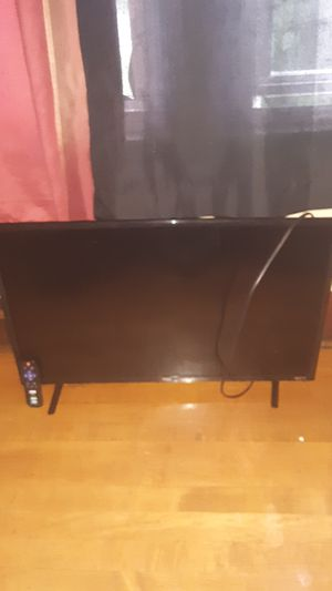 32 inch tcl roku TV for Sale in Milwaukee, WI