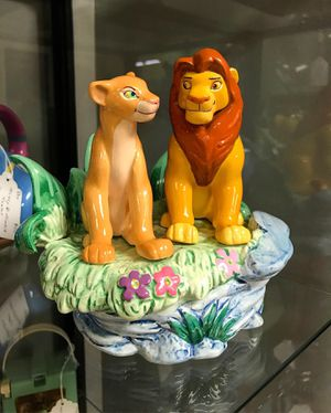 "Disney 1994 The Lion King music box ""Can you feel the love tonight"" for Sale in New Haven, CT"