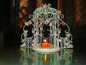 Retired PartyLite Rose Garden Gazebo Candle Holder for Sale in Tacoma, WA