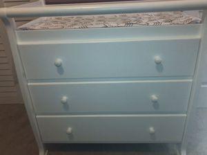 DaVinci 3 Drawer Changing Dresser for Sale in Douglasville, GA