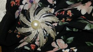 Sarahcov brooch for Sale in Galt, CA