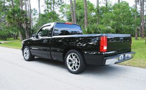 THIS TRUCK IS READY 2000 Chevrolet Silverado for Sale in Columbus, OH