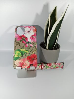 """Bundle of Stylish Case for iPhone 11 6.1"""" with Stylish Watch Band. for Sale in Loma Linda, CA"""