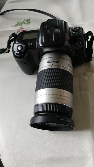 Minolta MAXXUM 800si 35mm SLR film camera for Sale in Kennewick, WA