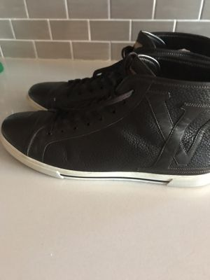 Louis Vuitton Sneaker for Sale in Matawan, NJ