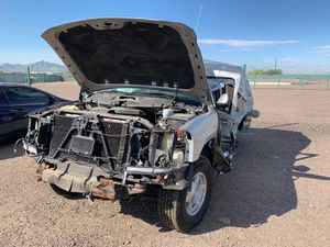 2004 GMC Yukon 4.8 vortec for parts for Sale in Phoenix, AZ