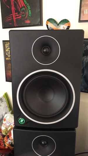 One Mackie MR8 MK3 powered studio monitor for Sale in Oakland, CA