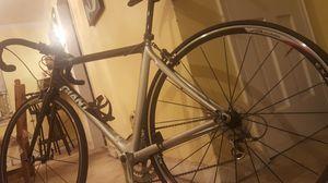 (Bike) Giant shimano 105 TCR c3 for Sale in Arlington, VA
