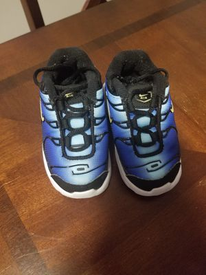 Nike size 5 like new. for Sale in The Bronx, NY