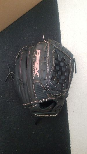 Girls fast pitch softball glove 11.5 for Sale in Scottsdale, AZ