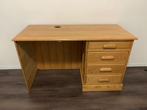 Beautiful authentic wood desk! for Sale in Tacoma, WA