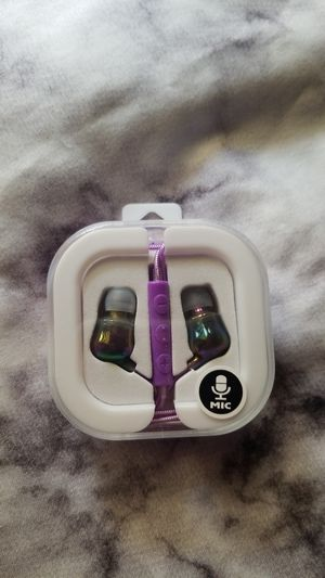 CUTE Earbuds for Sale in Clearwater, FL