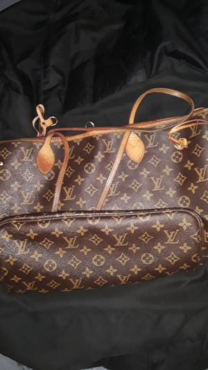 Louis Vuitton Never Full shoulder bag for Sale in San Diego, CA