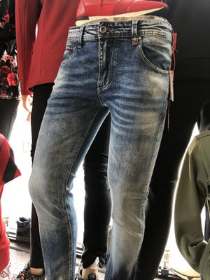 Men's designer blue jeans slim stretchy no trades pls all sizes for Sale in West Hollywood, CA
