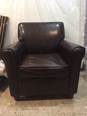 Mini leather chair for Sale in Queens, NY