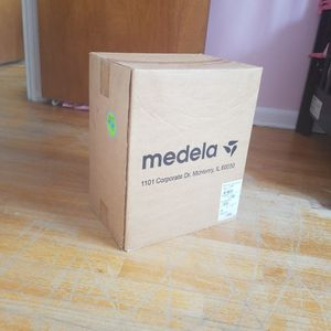 Medela Double Electric Breast Pump for Sale in Brooklyn, NY