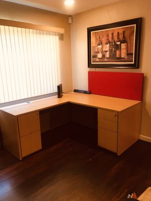Desk & Return with keys top brand high Cuality furniture check my other furniture for Sale in Fresno, CA