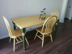 Charming kitchen table for Sale in Peoria, AZ