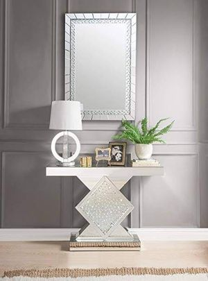 GLAM STYLE DECOR BLING Mirrored Console Table with Rhombus Pedestal Base / MESA for Sale in Moreno Valley, CA