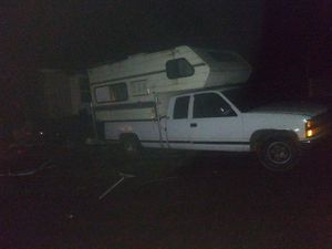 1990 silverado with camper for Sale in Monroe, WA