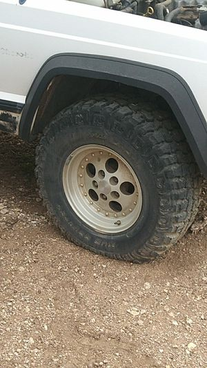 Dick Cepec 31X10.5 75 R15 and two other sets 33 and 31sX 15 tires and wheels are in great shape. for Sale in Phoenix, AZ