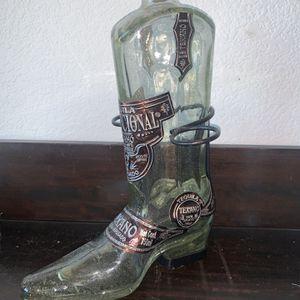 """Collectors Thick Glass Tequila Boot, """" Tequila Institucional Presentacion Texano"""" Empty, Made In Mexico for Sale in El Centro, CA"""