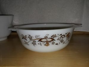 PYREX ovenware bowl excellent condition for Sale in Hesperia, CA