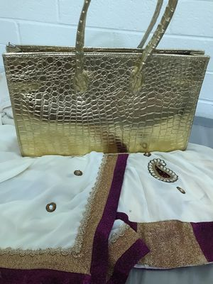 GOLDEN CROCODILE PARTY BAG for Sale in Tempe, AZ