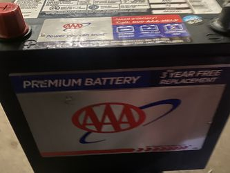 Honda Civic, Accord, Element Group 51 Battery. Only Months Of Use for Sale in Franklin Park,  IL