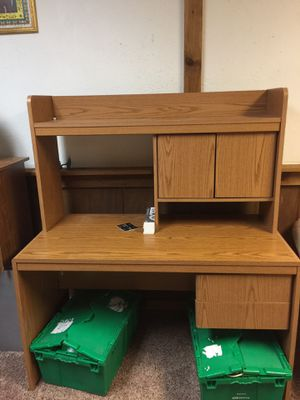 Desk for Sale in Westlake, OH