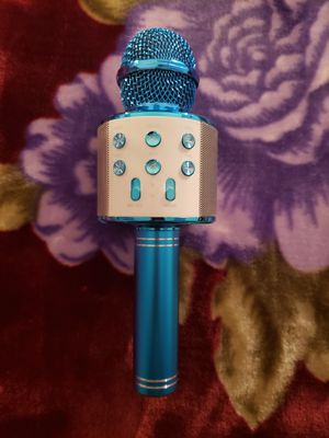 Wireless microphone hifi speaker for Sale in Los Angeles, CA